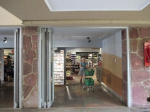 shop-satara-resort